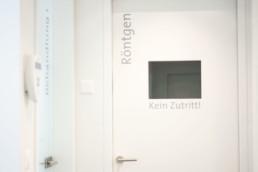 Corporate Design Signaletik Zahnarztpraxis Schweiger